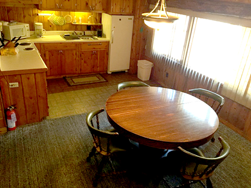 Cabin_10_Kitchen